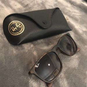 Authentic Ray Ban sunglasses Unisex